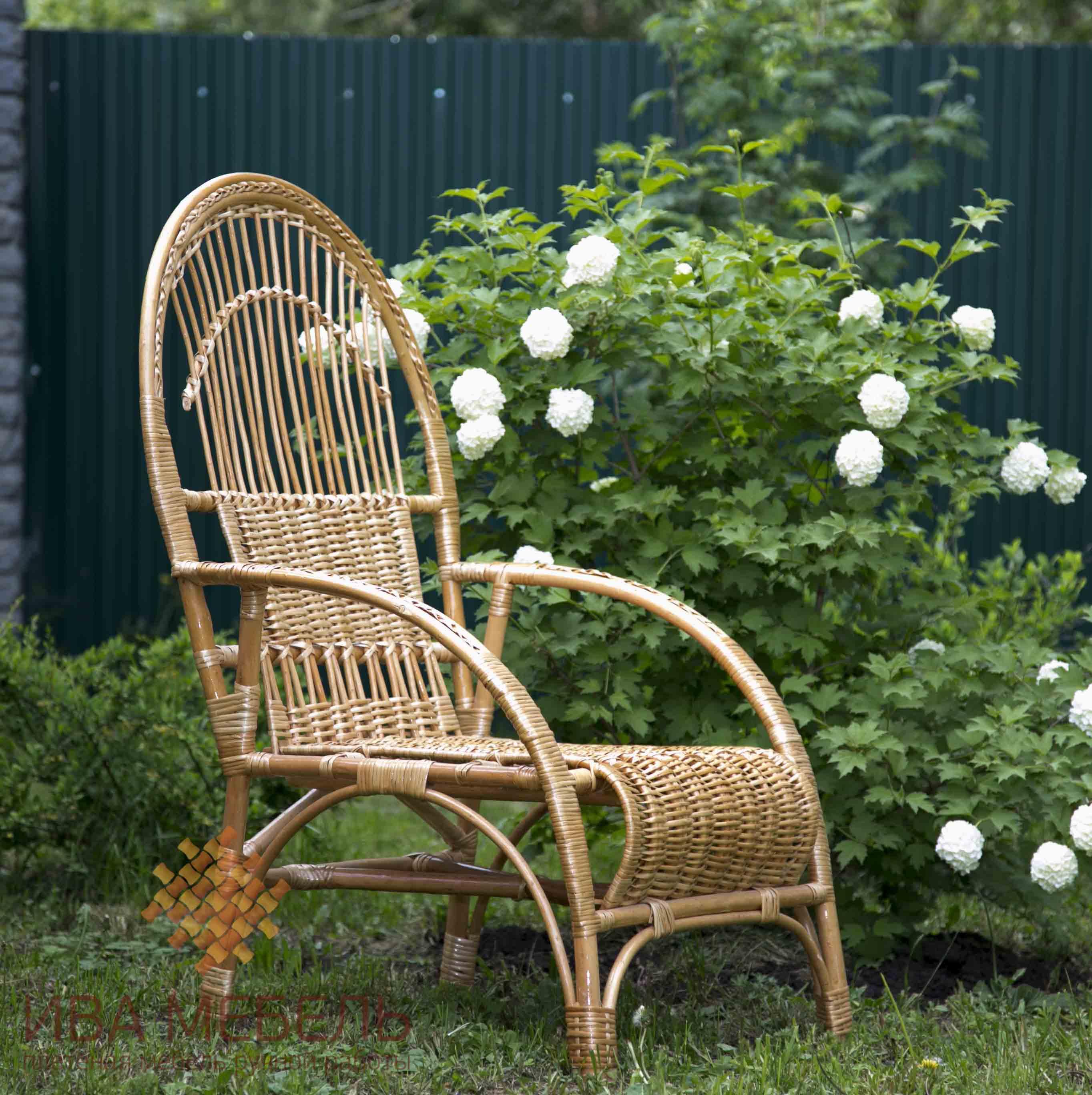плетеное кресло для дачи