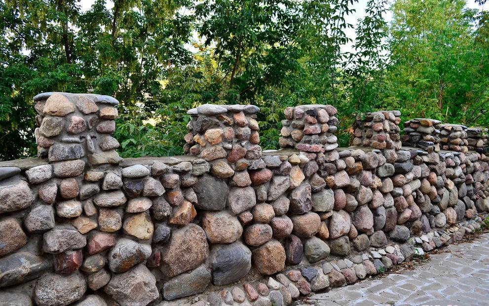 Заборы своими руками из камня фото в 574