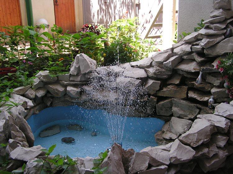 как выбрать садовый фонтан для сада декоративный