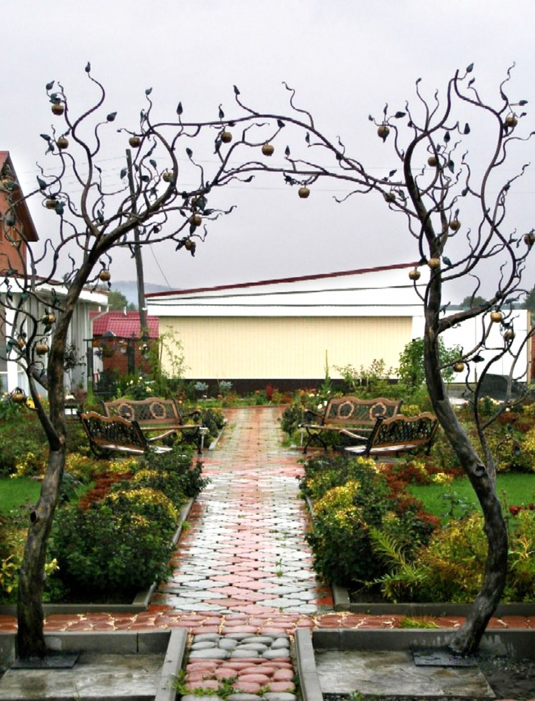 арка для сада кованая декоративная