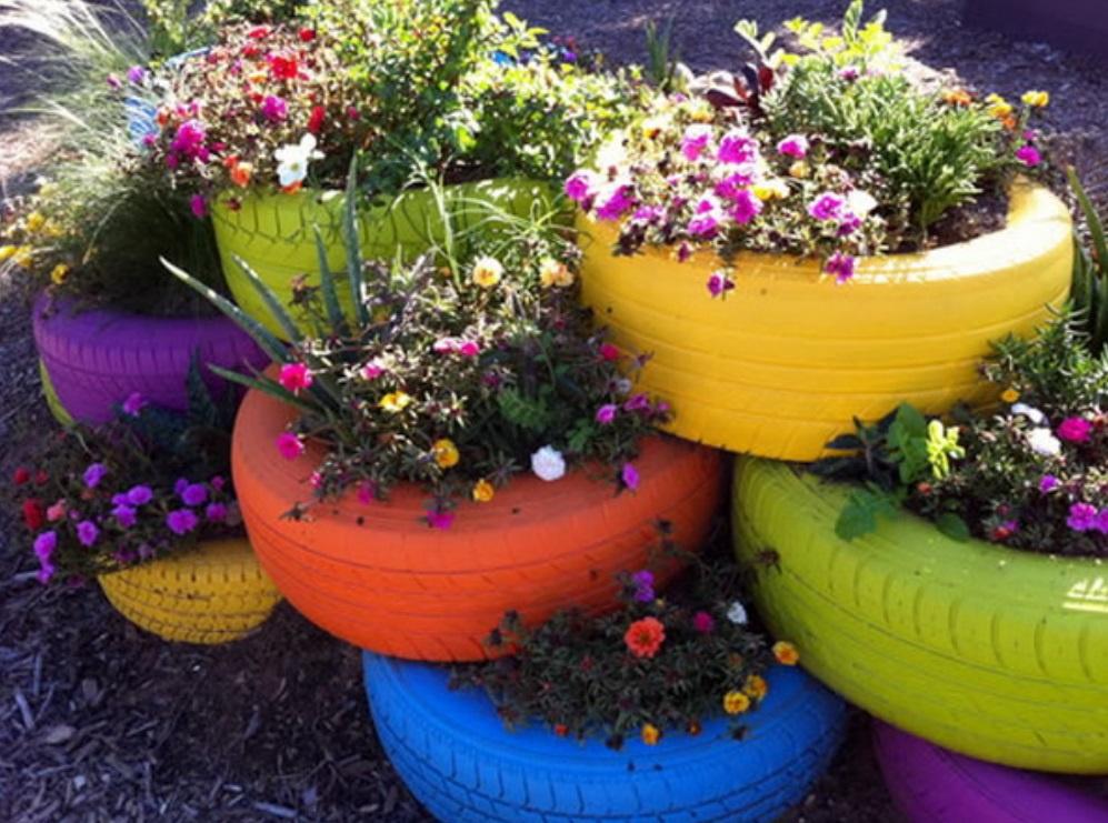 покрышки с цветами на участке в саду своими руками