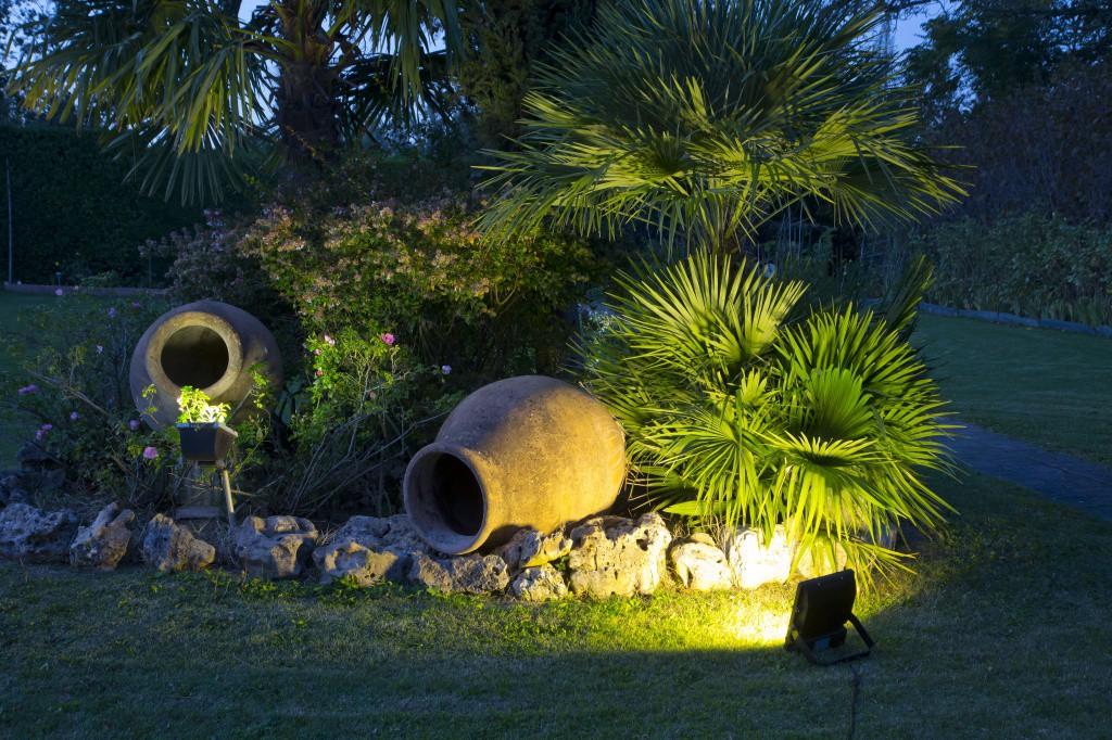 освещение для сада освещение в саду садовые фонари светильники садовый прожектор