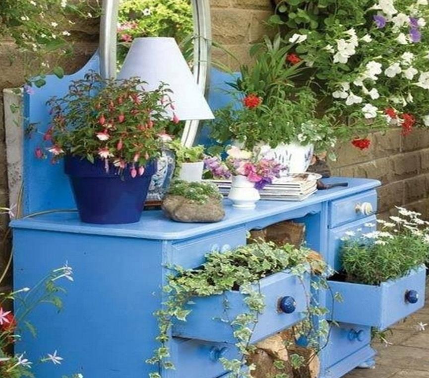 старая мебель подставки для цветов своими руками в саду