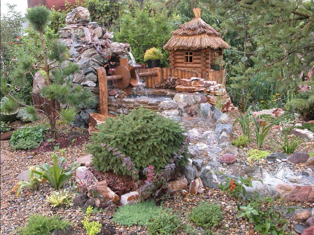 садовый участок на склоне украшаем декор сада