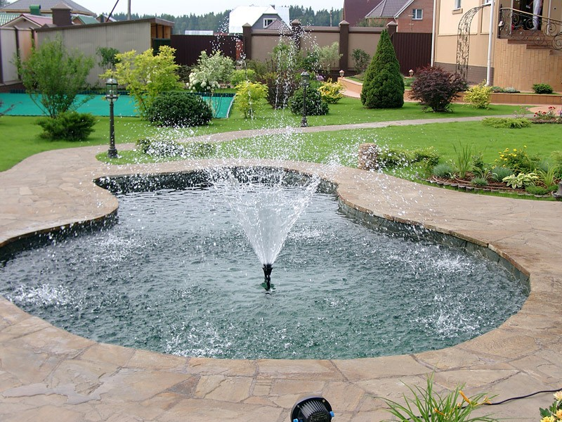 как выбрать садовый фонтан для сада декоративный фонтан тюльпан