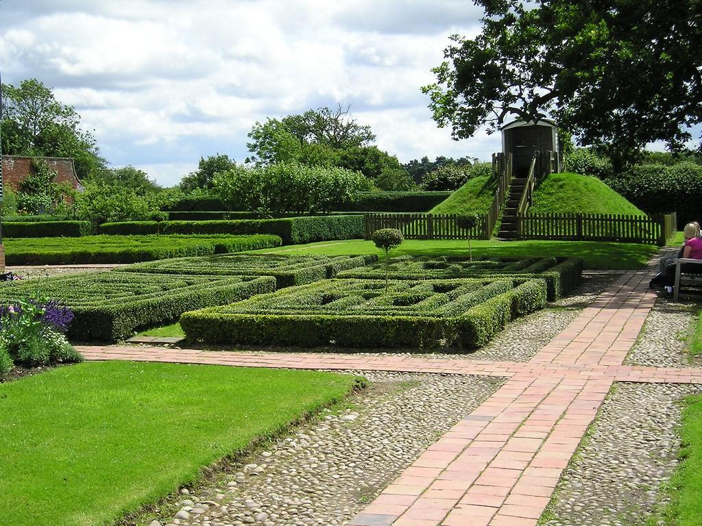 Boscobel House Garden Shropshire Hills дорожки красивый сад фото