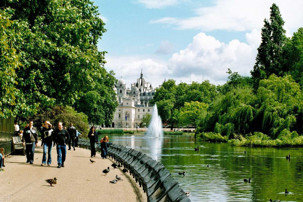 Saint James Park парк Святого Джеймса Англия