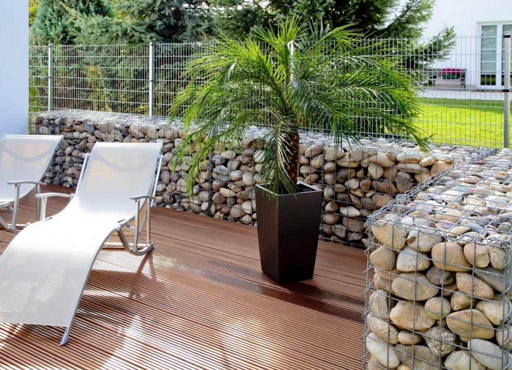 габионы оформление места отдыха в саду