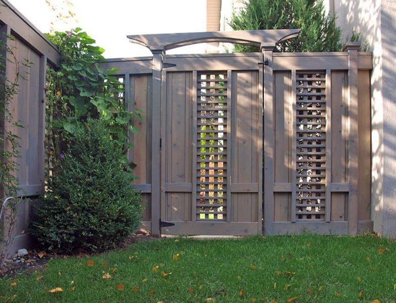 красивый деревянный забор своими руками