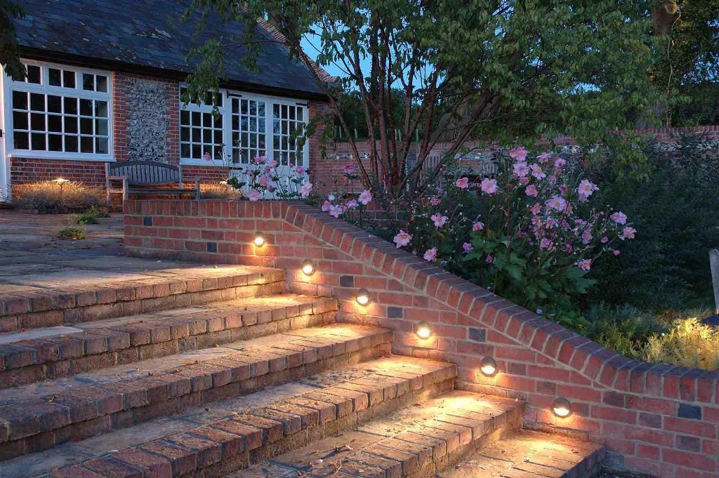 освещение лестницы сад