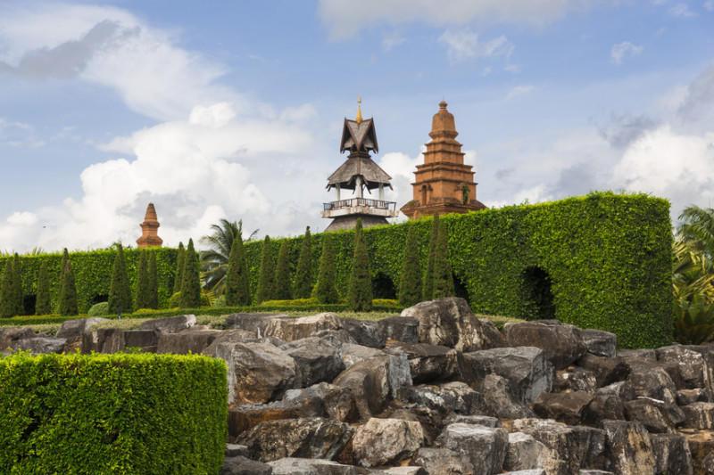 Ландшафтный сад Нонг Нуч в Патайе