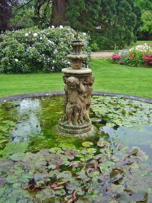 сады Бартон Хаус Англия Barton House красивый сад газон декоративный пруд