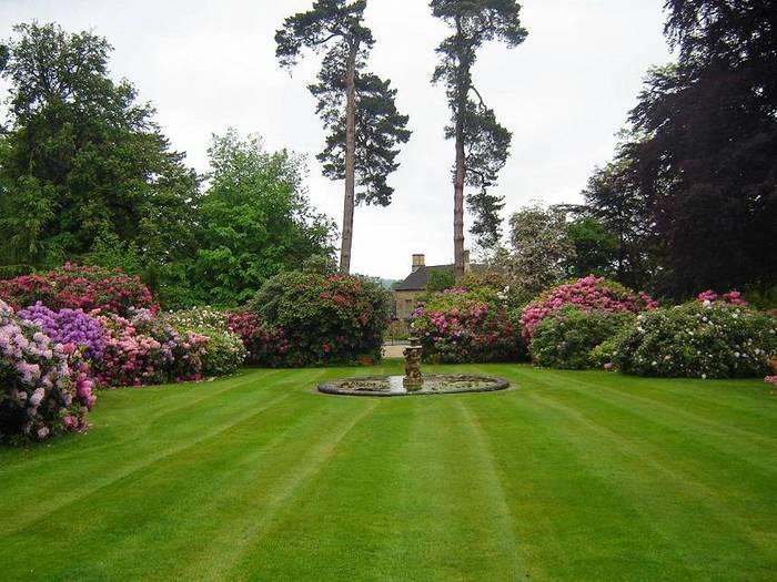 сады Бартон Хаус Англия Barton House красивый сад газон миксбордер