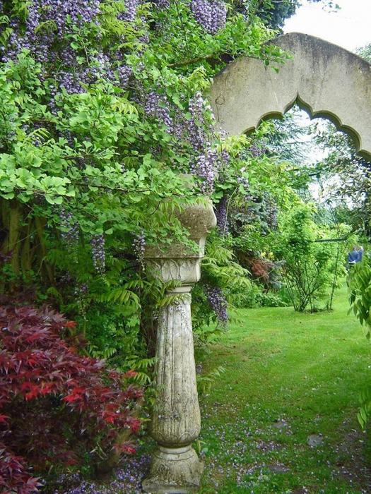 сады Бартон Хаус Англия Barton House красивый сад арка цветник