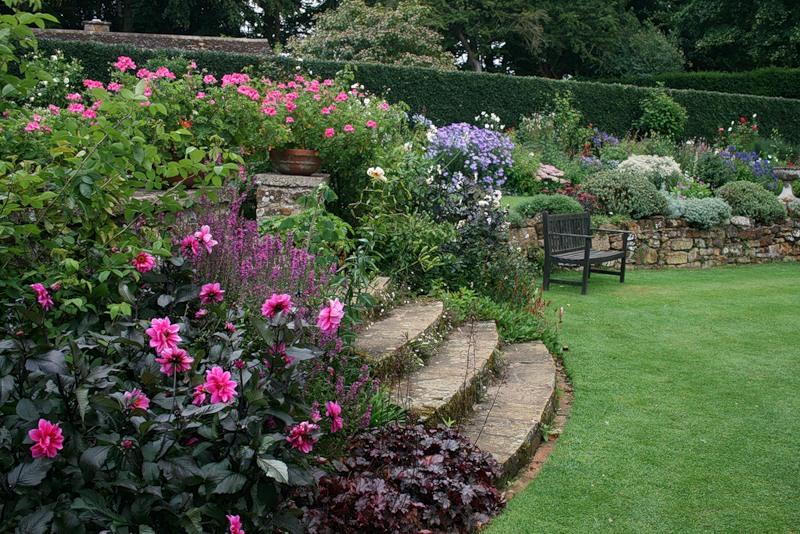 сады Котон Манорс Coton Manor Англия красивый сад лестница садовая скамейка