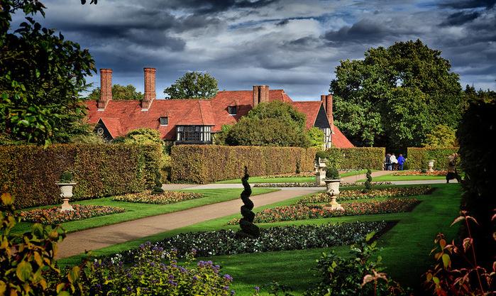 красивый сад сады Уизли Англия садовая дорожка живая изгородь