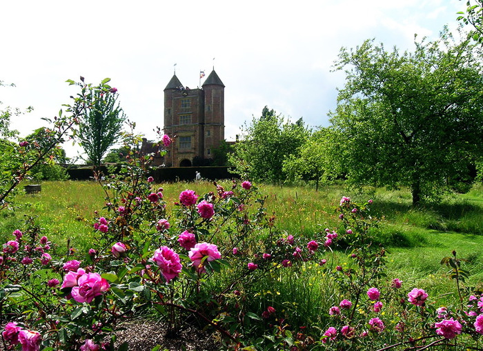 Сады SISSINGHURST Сиссингхерст красивый сад Англия