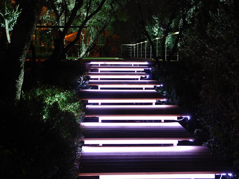 садовое освещение светящаяся лестница