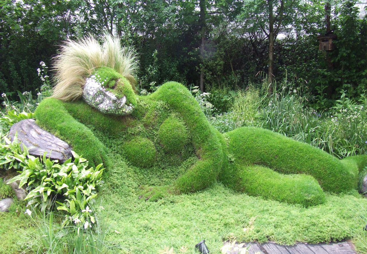 садовая фигура мох