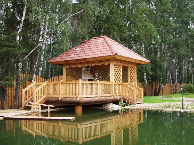 деревянная беседка из дерева пример