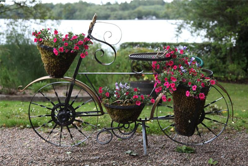 Подставки садовые для цветов